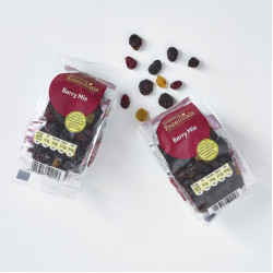 Snacking Essentials Fruity Berry Mix